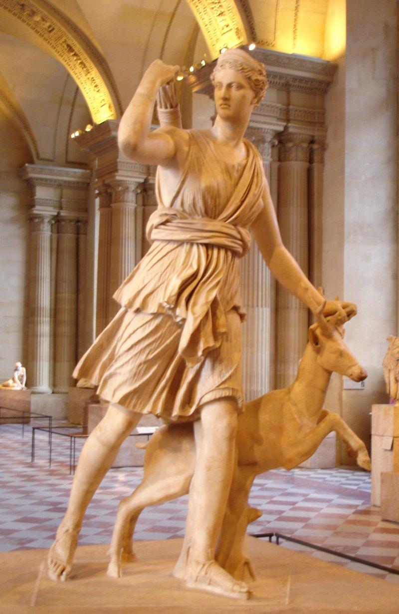 Diana di Versailles (museo del Louvre, Parigi)
